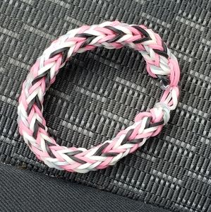 Multi-colored rubberband bracelet